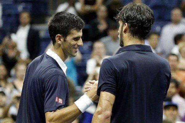 Feliciano López (vpravo) síce Djokoviča nezastavil, srbský tenista ho však za výkon pochválil.