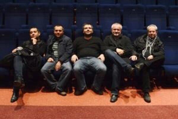 Členovia skupín Pacora a Bashavel zahrali na úvod týždňovej akcie v Théâtre Axel Toursky v Marseille.