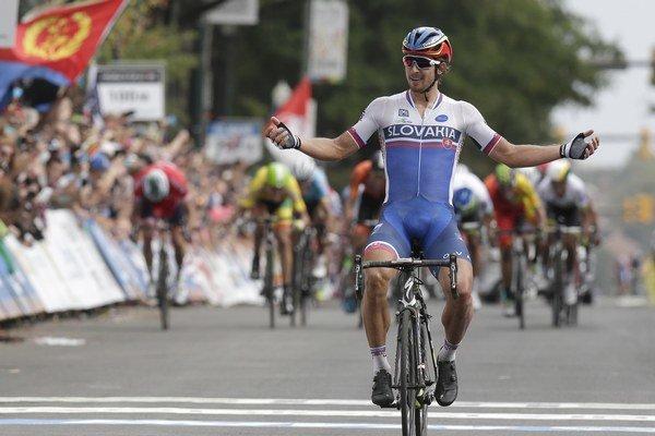 Peter Sagan prišiel do cieľa s náskokom pred súpermi.