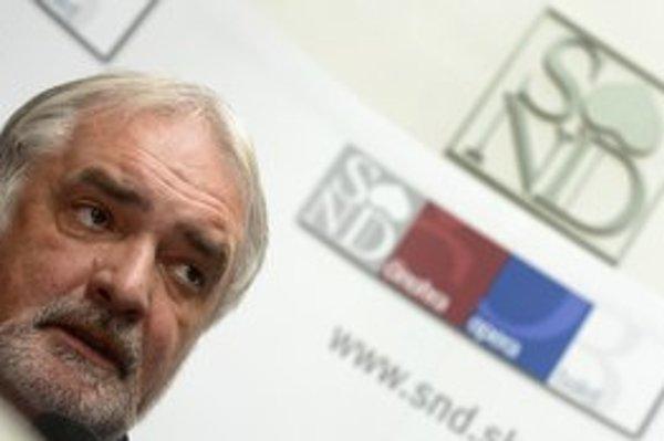 Generálny riaditeľ SND Marián Chudovský a upravené logo.