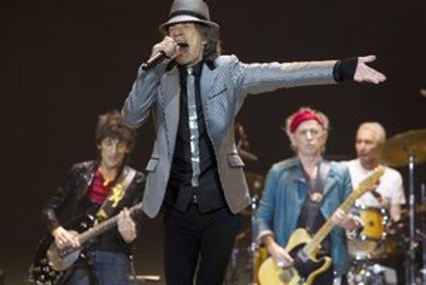 Mick Jagger a jeho kolegovia počas nedelňajšieho koncertu.