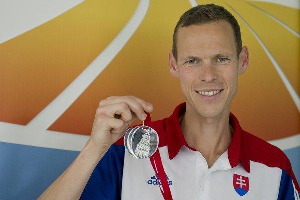 Medailové nádeje vkladá naša výprava aj do chodca Mateja Tótha.
