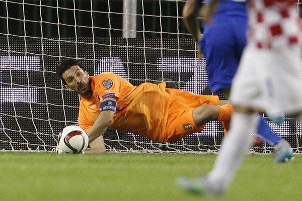 Gianluigi Buffon odchytal v drese Talianska rekordný päťdesiaty zápas v rámci európskych šampionátov a kvalifikácií.