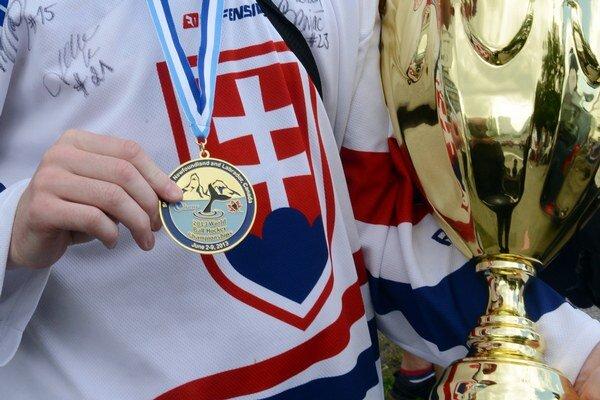 Pred dvoma rokmi sa slovenskí hokejbalisti vrátili so zlatými medailami.