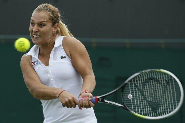 Dominika Cibulková si po dlhšej pauze opäť vezme na turnaji do rúk raketu.