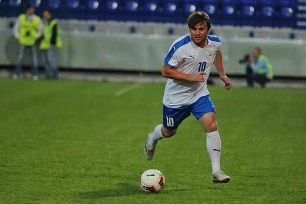 Ľubomír Moravčík počas nedávneho exhibičného zápasu legiend Premier League s hráčmi Česka a Slovenska v Poprade.
