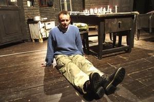 Juraj Nvota, divadelný a filmový režisér, veľkú hereckú úlohu mal vo filmoch Ružové sny a Všetko, čo mám rád. Tvorí pre televíziu (Ženské oddelenie, Prášky na spanie, Dušička, Čierna ovca, Človečina), v kinách mal Kruté radosti, Muziku a na jar príde