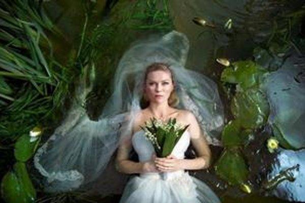 Kirsten Dunstová vo filme Melancholia.