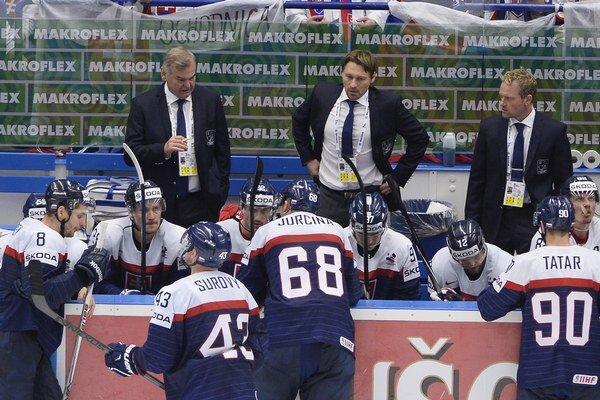 Hokejisti majú problém postúpiť do štvrťfinále MS.