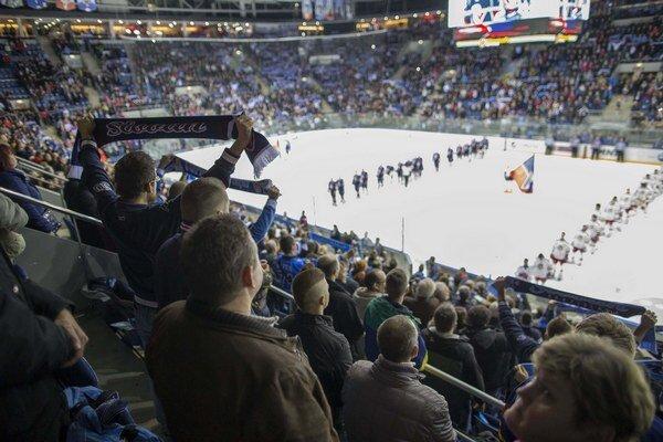 Slovan pravidelne vypredával takmer plnú kapacitu štadióna.