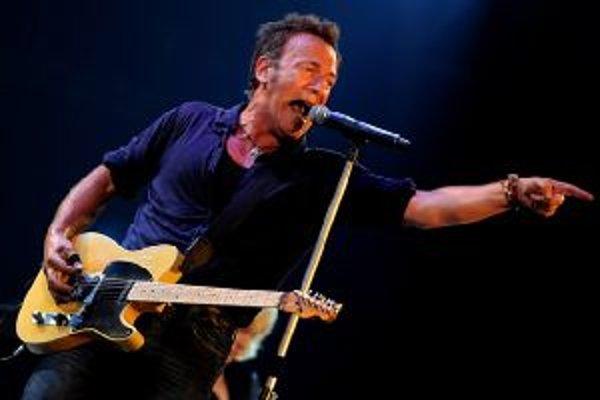 Bruce Springsteen z dlhých rozhovorov s príbuznými zosnulých zložil album. Nazval ho The Rising, Vzkriesenie. Je to prvé a zatiaľ najucelenejšie hudobné dielo, ktoré priamo reflektuje 11. september.