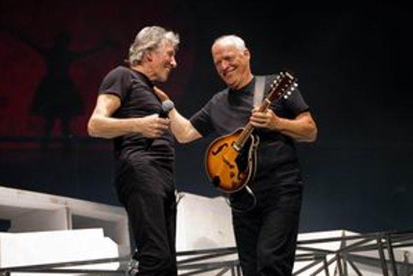 Roger Waters (vľavo) a David Gilmour sa opäť stretli na jednom pódiu.