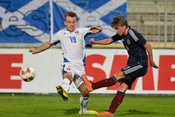 Rusnák (vľavo) je mládežníckym reprezentantom Slovenska.
