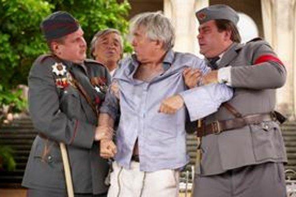 Hlavnú úlohu zveril režisér Havel Josefovi Abrhámovi.