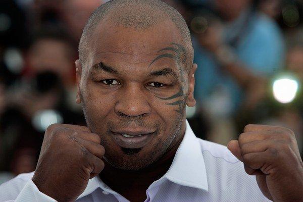 Mike Tyson bol najmladším šampiónom superťažkej váhy.