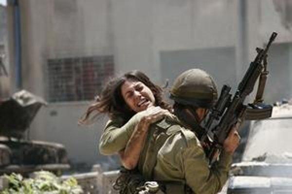 Cenu Modrý anjel za najlepšiu réžiu získal Izraelčan Samuel Maoz s filmom Libanon.