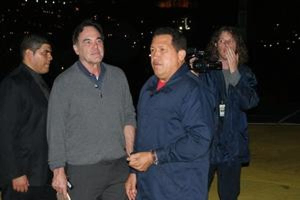 Oliver Stone na návšteve u Huga Cháveza.