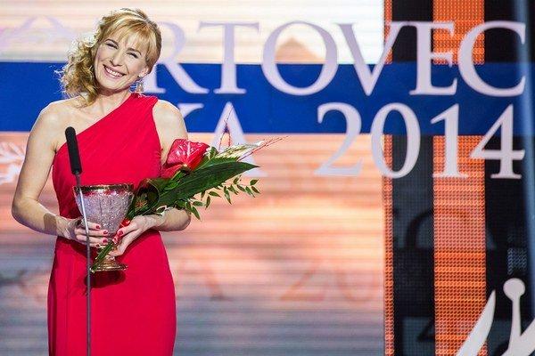 Anastasia Kuzminová pri preberaní ceny.