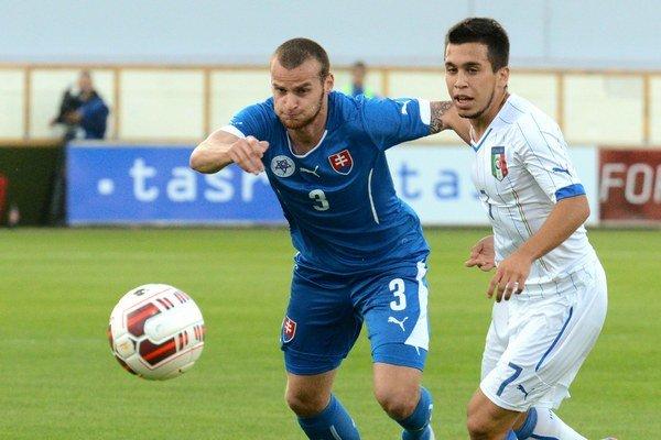 Lukáš Pauschek (vľavo) v súboji s Talianom Christianom Battocchiom.