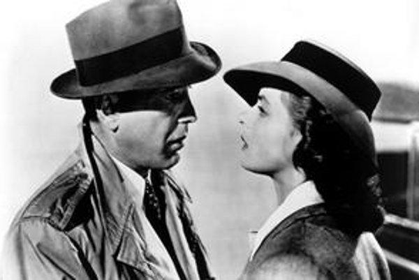Nadčasová klasika - Casablanca s Humphrey Bogartom a Ingrid Bergman.