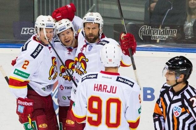 Jere Karalahti (tretí zľava) ešte v drese Jokeritu Helsinki.