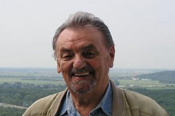 Štefan Svetko pri nakrúcaní jeho profilu pre Slovenskú televíziu.