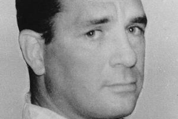 Jack Kerouac (1922 - 1969), najvýznamnejší prozaik americkej beatnickej generácie. Je autorom vyše dvadsiatich kníh, debutoval románom Malomesto a veľkomesto, jeho druhá kniha Na ceste sa stala beatnickým manifestom. Z ďalších diel: Vízie Codyho, Dharmovi