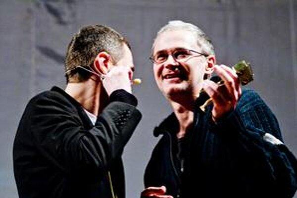 Nie všetko fungovalo dokonale (napríklad víťaz J. B. Kladivo musel použiť mikrofón moderátora Daniela Baláža), ale celkový dojem z prvého ročníka Radio_Head Awards zostáva pozitívny.