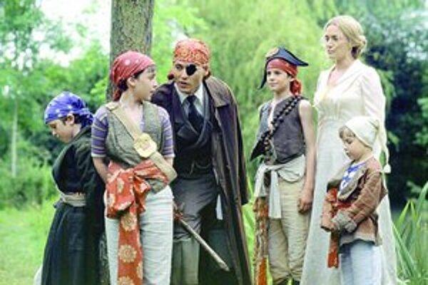 Vo svete fantázie stretnete kohokoľvek, vraví sa v príbehu o Petrovi Panovi. Hrá v ňom Johnny Depp a Kate Winslet.