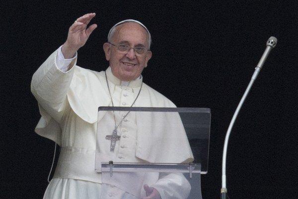 Pápež František usporadúva charitatívny zápas.