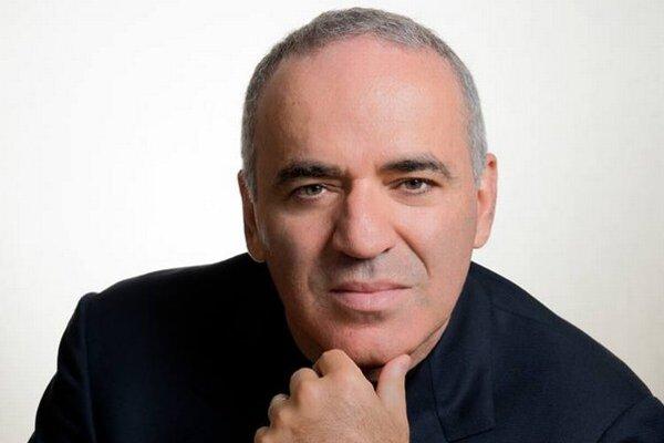 Legendárny šachista Kasparov patrí k najlepším v histórii.