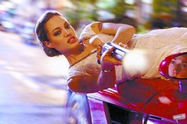 Angelina Jolie vo filme Wanted.
