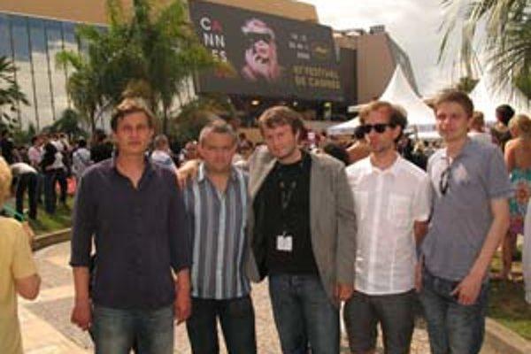 Tvorcovia filmu Slepé lásky v Cannes (zľava): Marek Leščák, Ján Meliš, Juraj Lehotský, Juraj Chlpík a Marko Škop.