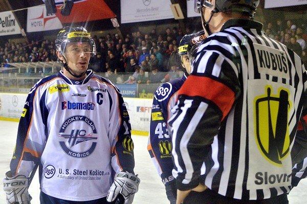 Miroslav Zálešák pôsobil v rokoch 2010 - 2012 v slovenskej extralige v majstrovskom tíme HC Košice.