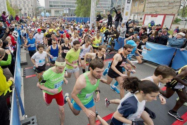 Maratón obmedzí dopravu v Bratislave.
