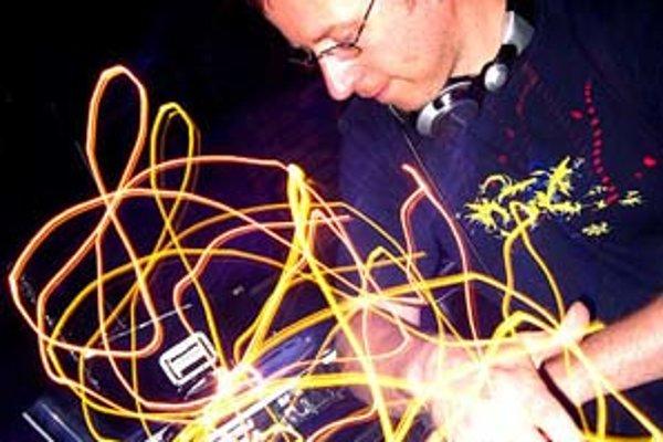 DJ Food už u nás hral, kto ho zmeškal, má druhú šancu na micro.Wilsonicu.