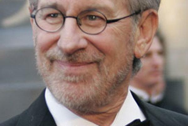 Čínska vláda už minulý týždeň vyslovila poľutovanie nad rozhodnutím amerického filmového režiséra Stevena Spielberga, ktorý odmietol naďalej pracovať ako umelecký poradca otváracieho a záverečného ceremoniálu olympijských hier v Pekingu. V čínskych médiác