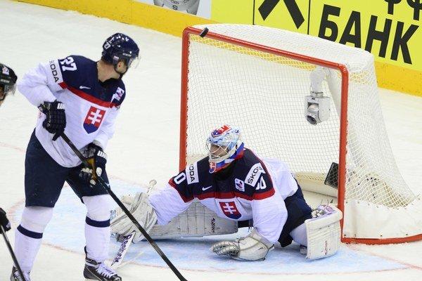 Slovenskí hokejisti hrajú lepšie ako na olympiáde.
