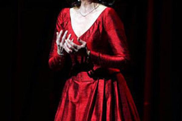 Svetoznáma dánska sopranistka Inga Nielsenová prehrala v noci nadnes v nemocnici v Gentofte vo veku 61 rokov boj s rakovinovým ochorením.