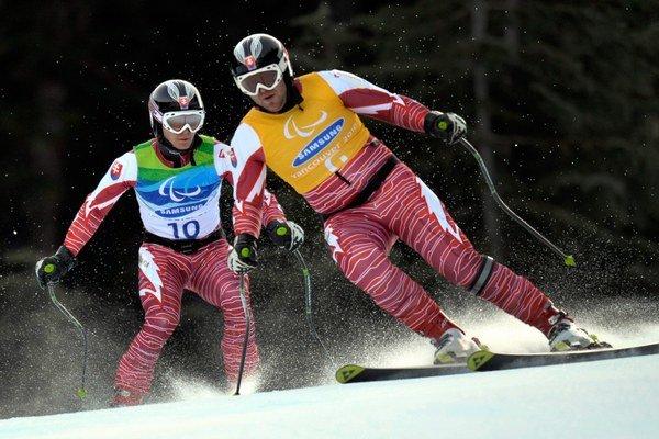 Slovenský reprezentant v zjazdovom lyžovaní zrakovo postihnutých Jakub Krako sa zo zlata už tešil aj v Soči.