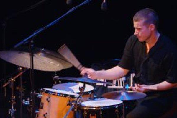 Popredný slovenský bubeník Martin Valihora.