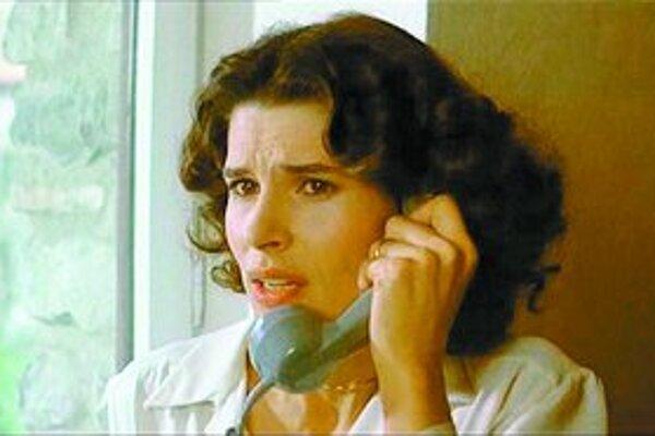 Herečka Fanny Ardantová vo filme Francoisa Truffauta Žena odvedľa. Festival francúzskeho filmu v Bratislave jej venoval profilovú sekciu.
