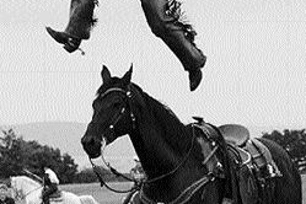 Olšany sa zmenia na divoký západSobota bude patriť na farme Bolka Polívku westernu. Na programe je totiž tradičný Westernový deň s ryžovaním zlata, ukážkami psích záprahov, hádzaním lasa, práskaním bičov, strieľaním z koltov, s indiánskou šou, rodeom de