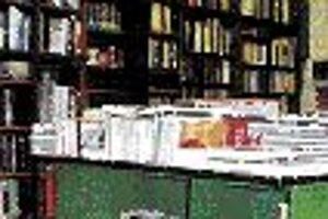 Čo čítajú ViedenčaniaV rámci akcie Lies mich (Čítaj ma) si Viedenčania volili najobľúbenejšie knihy. Online sa do akcie zapojilo viac ako 40-tisíc Viedenčanov a za naj knihu vybrali Parfum od Patricka Süskinda. Na druhom mieste sa umiestnilo dielo najvý