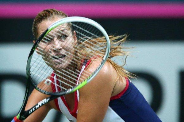 Dominika Cibulková prehrala v Bratislave obe svoje dvojhry zápasu Pohára federácie s Nemeckom.