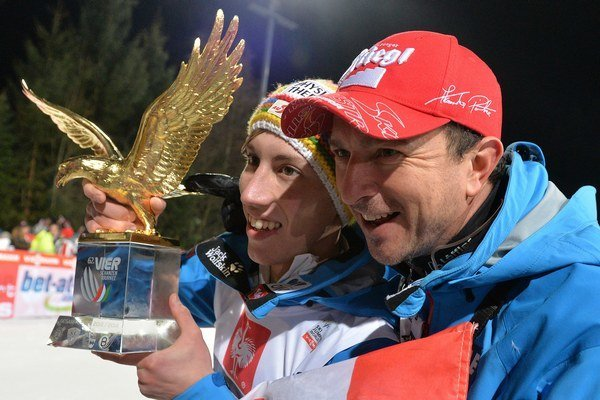 Thomas Diethart a jeho tréner Alexander Pointner.