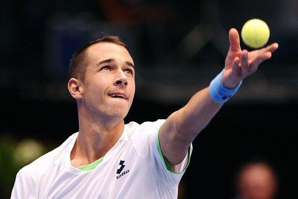 Lukáš Rosol sa hnevá, že si mohol zahrať lepší tenis.