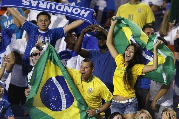 Divácky potenciál v Miami naznačilo 71 124 zvedavcov, ktorí si v sobotu pozreli prípravný zápas Brazílie s Hondurasom (5:0).