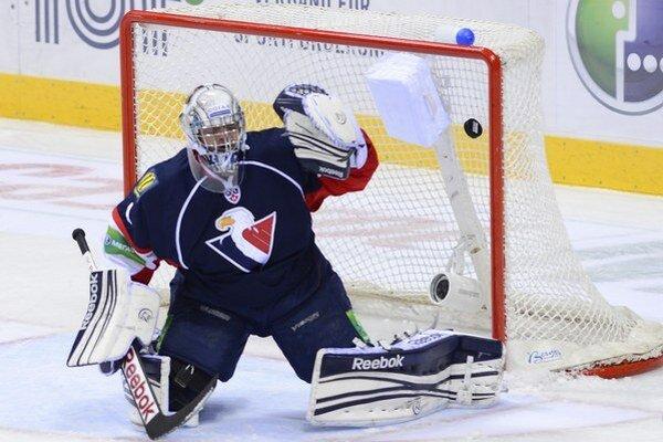 Po drobnom zranení sa do bránky Slovana vrátil Miroslav Kopřiva.