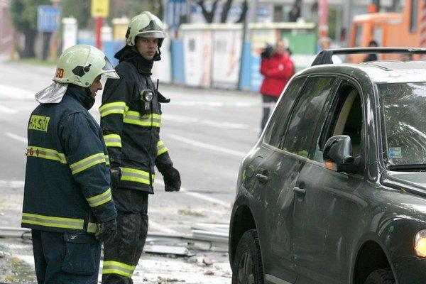 Únik plynu sa nepotvrdil, išlo o výpary z takzvanej solventnej nafty.